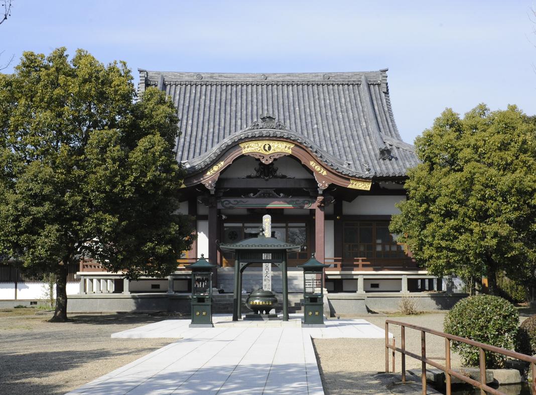 蓮華院誕生寺本堂