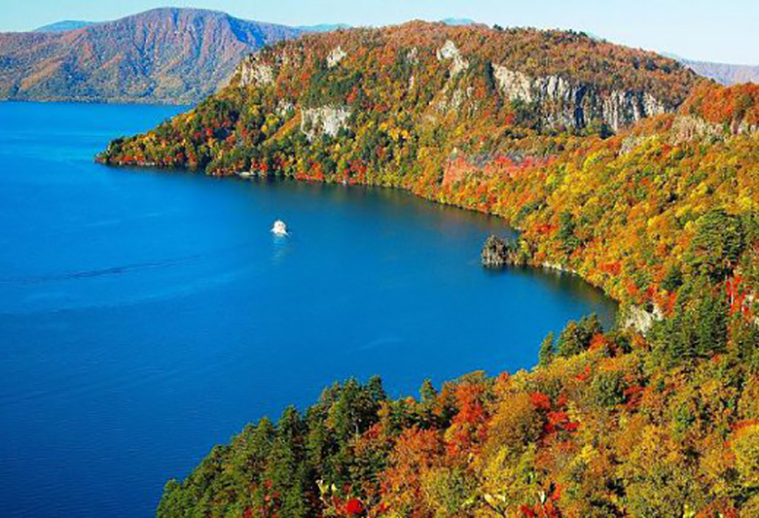 towada lake-1