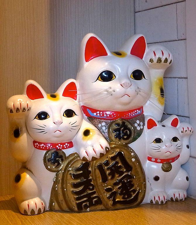 แมวกวัก3ตัว
